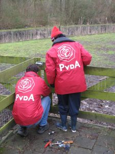 PvdA Middelburg doet klusjes met NL Doet!